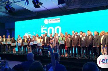 Eray-teknoloji-Bilişim-500-ödüllerinde-sahnede